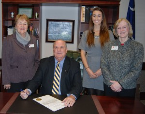 In celebration of Red Cross Month, Goose Creek Mayor signed the Red Cross Month Proclamation in his office this morning. Shown here with the mayor representing the Red Cross is Ann Baughman, Board Member, Laura Zagby, Blood Services and Nancy Olson, Volunteer Services Manager.